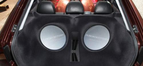 Seat Leon mit beflocktem HiFi Ausbau