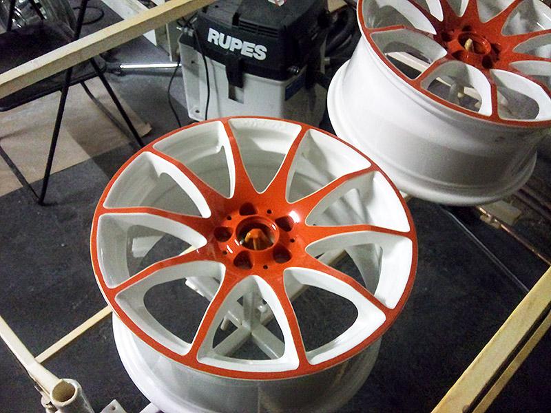 pulverbeschichtet weiß orangen Speichen